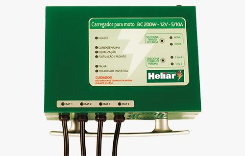 Carregador para moto BC200W Baterias Heliar, microprocessado com indicações digitais de estado de operação e falha através de led´s.
